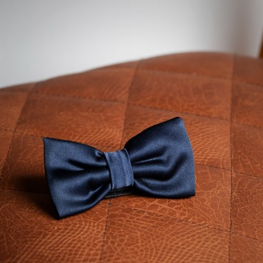Dark blue bow tie - product image