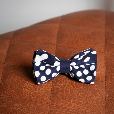 Dark blue polka dot bow tie - product image