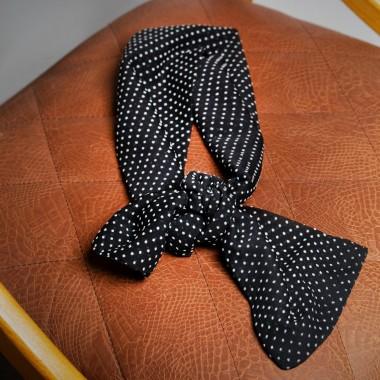 Μαύρο πουά φουλάρι - product image