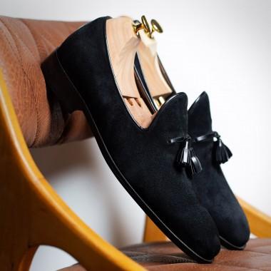 Μαύρα καστόρινα παπούτσια με φουντάκια - product image