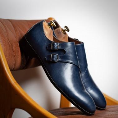 Μπλε δερμάτινα παπούτσια με αγκράφες - product image