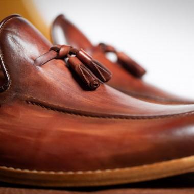 Καφέ δερμάτινα παπούτσια με φουντάκια - product image