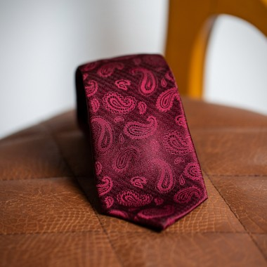 Red paisley tie - product image